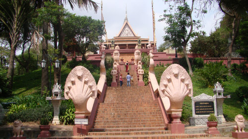 Small-Group Phnom Penh Secrets Tour by Urban Adventures