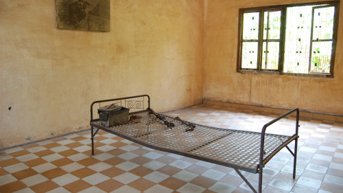 Choeung Ek Killing Fields & Tuol Sleng Museum Tour by Threeland Travel