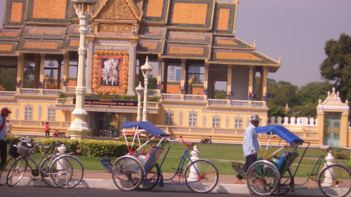 Private City Cyclo Tour by Threeland Travel