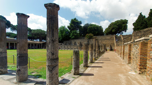 Pompeii & Mt Vesuvius Small-Group Tour by Walks of Italy