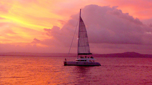 Sunset Luxury Sailing by Aquarius Sail & Snorkel