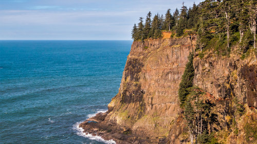 Full-Day Tillamook Bay Hiking Tour with Lunch