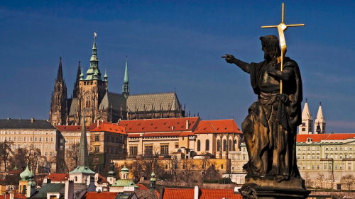 Grand Tour of Prague with Vltava Cruise & Lunch