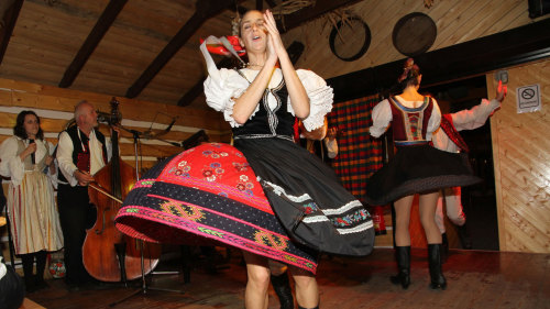 Folklore Show & Dinner