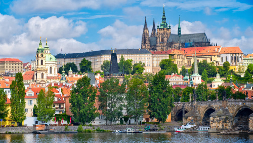 Get a lonely planet prague the czech republic ebook with all back to prague and vicinity czech republic fandeluxe Image collections