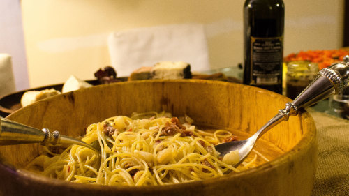 Eat With a Local: Dine with Barbara in Her Trastevere Home
