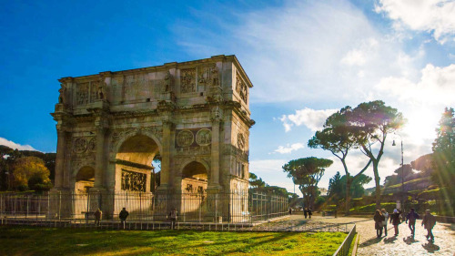 Colosseum & Archaeological Small-Group Tour by Urban Adventures