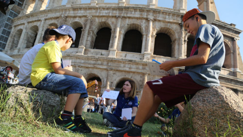 Skip-the-Line: Emperors & Gladiators Colosseum Family Tour