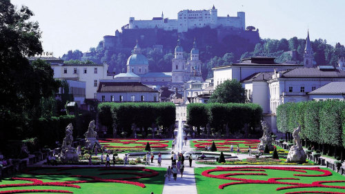 Salzburg & Salzkammergut Lake District Day Tour