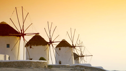 4-Day Mykonos & Santorini Greek Islands Trip from Athens by Key Tours