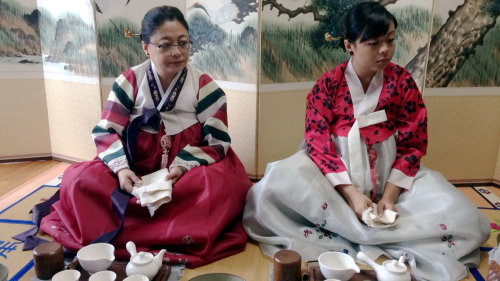 Tea Ceremony, Hanbok Wearing & Kimchi Making by Seoul City Tour