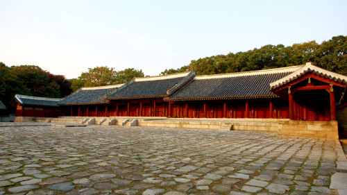 Jongmyo Shrine, Secret Garden & Unhyeongung Palace Tour by Kim