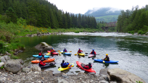 Learning the Basics: Kayaking Course & Tour on the Skykomish River