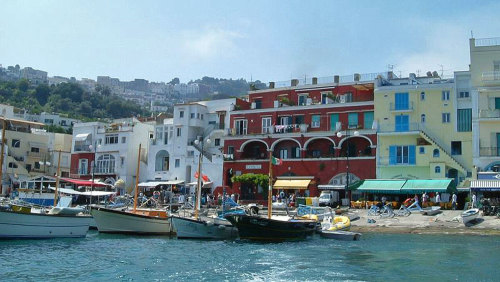Full-Day Capri Tour from Rome by Miki Tourist