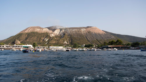 Full-Day Aeolian Islands Tour to Lipari & Vulcano with Cruise