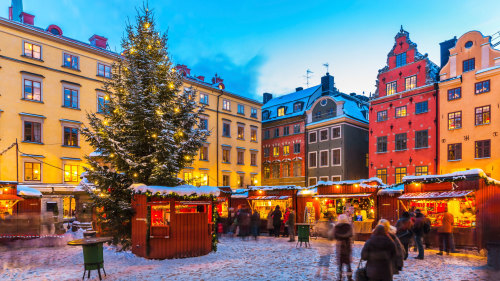 Festive Walking Tour with Mulled Wine & Cookies