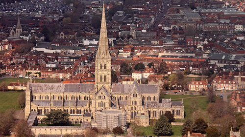 Small-Group Stonehenge, Bath & Salisbury Cathedral Full-Day Tour