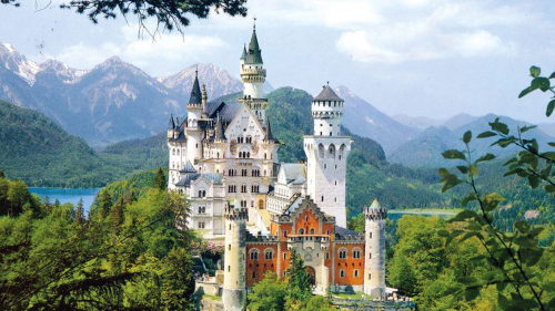 Neuschwanstein Castle & Linderhof Palace Full-Day Tour