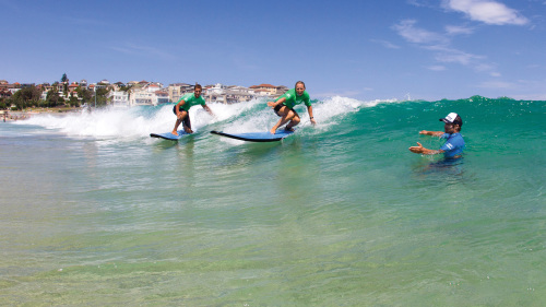 Bondi Beach Surfing Lesson with Surf Club Tour & Lunch