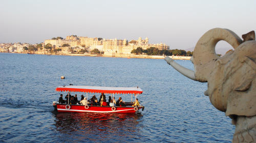 Cruise on Lake Pichola