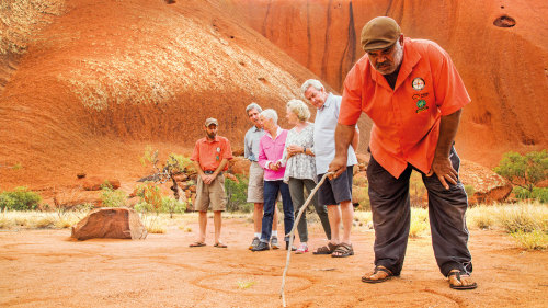3-Day Red Centre Highlights Tour by AAT Kings