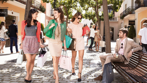 Chic Outlet Shopping® Experience at La Roca Village