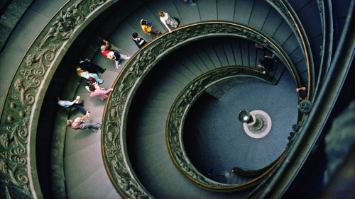 Skip-the-Line Vatican Museum Tour by Miki Tourist