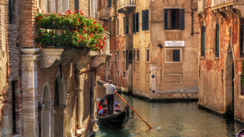 The Romantic Waterways—Gondola Ride by Oltrex Viaggi