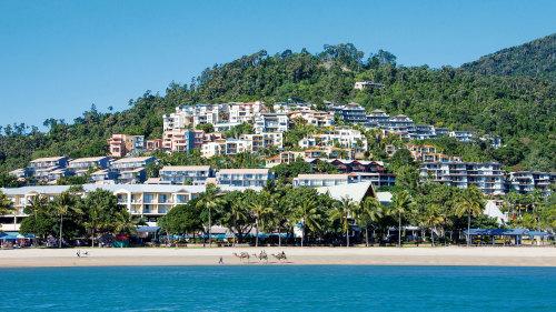 5-Day Whitehaven & Hamilton Island Tour for 2 by Cruise