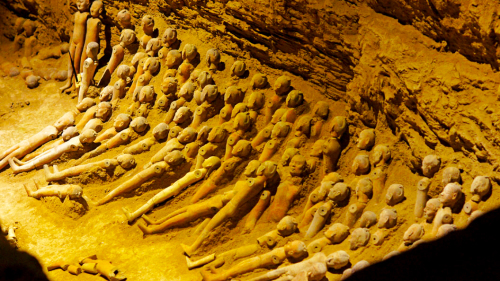 Terracotta of Han Yang Ling Mausoleum VIP Day Tour