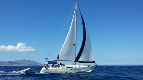 Small-Group Sailing Cruise to Rhenia Island with Lunch