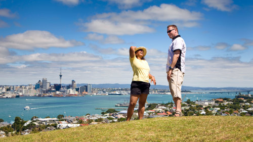 Small-Group All-Inclusive Tour of Auckland & West Coast