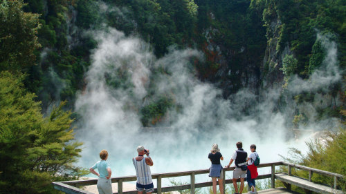 Rotorua Volcanic and Geothermal Sightseeing Tour