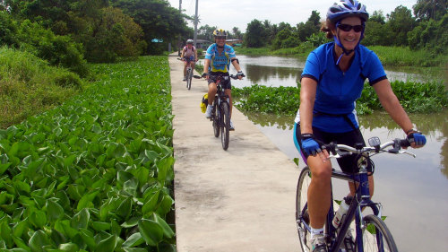 Full-Day Koh Kret Cycle Tour