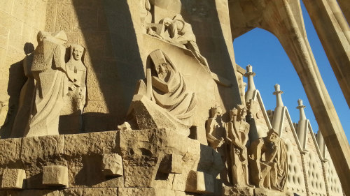 Skip-the-Line: Sagrada Família Tour of Crypt & Tower