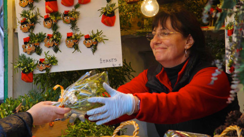 Aromas, Sounds & Flavors of Christmas: Street Markets Walking Tour