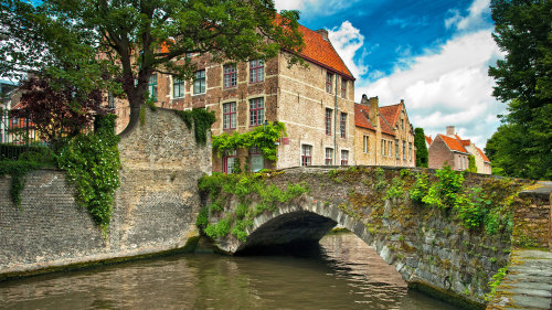 Combo Saver: Bruges Day Trip & Windmills, Marken, Volendam Tour