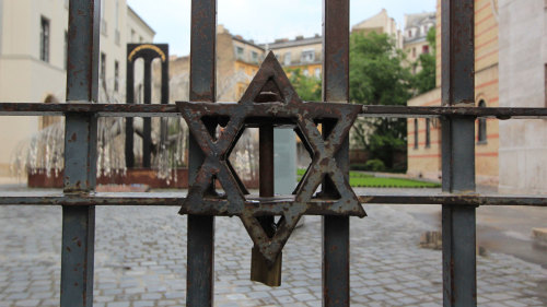 Scholar-Led Walking Tour of Jewish Budapest