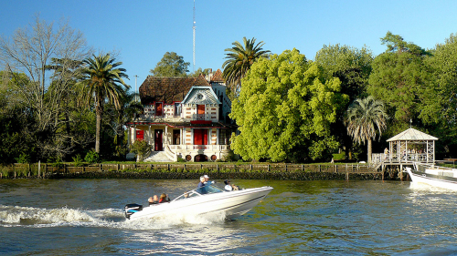 Island Town of Tigre & the Parana Delta by Boat