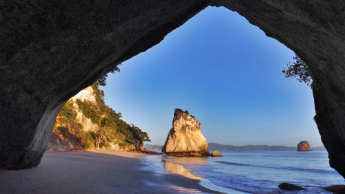 Cathedral Cove & Hot Water Beach Tour by Coromandel Adventures