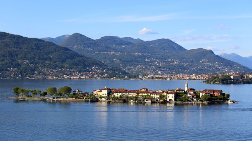 Day Trip to Lake Maggiore & the Borromean Islands by Train by Veditalia