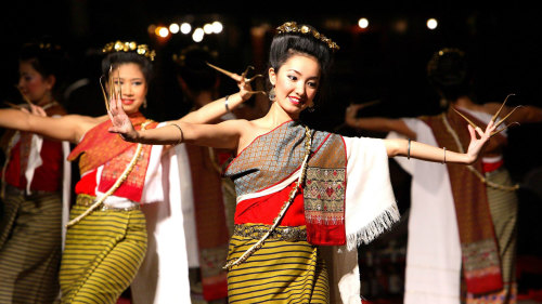 Thai Khantoke Dinner & Cultural Dance Show with Transfers by Tour East Thailand