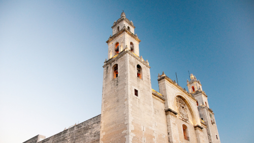 8-Day & 7-Night Royal Tour of the Mayan World on the Yucatán Explorer