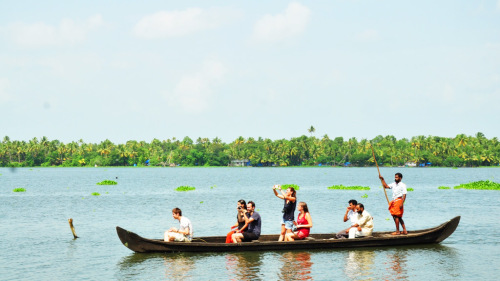 Small-Group Backwaters of Kerala Tour by Urban Adventures
