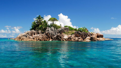 3-Island Full-Day Cruise with Lunch from Praslin