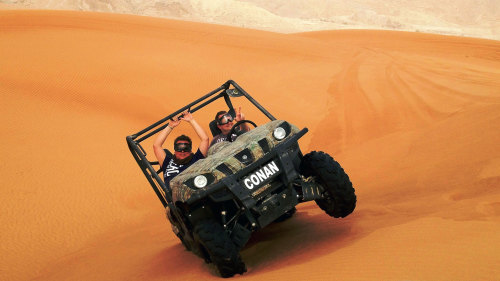 Exclusive Desert Driving Experience for 2 with Lunch