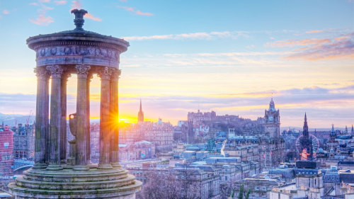 Edinburgh Day Trip via Train by Golden Tours