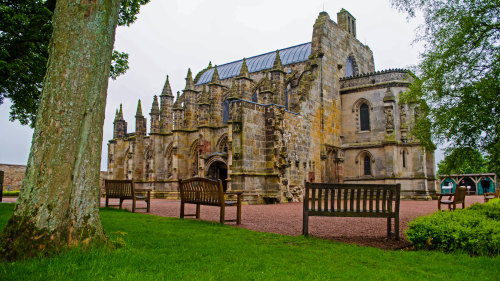Rosslyn Chapel, Dunfermline Abbey & Stirling Castle Full-Day Tour