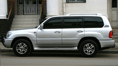 Private SUV: Nadi Airport (NAN)