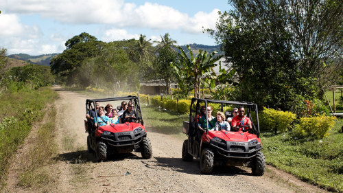 Small-Group Off-Road Safari with Naihehe Caves & Lunch